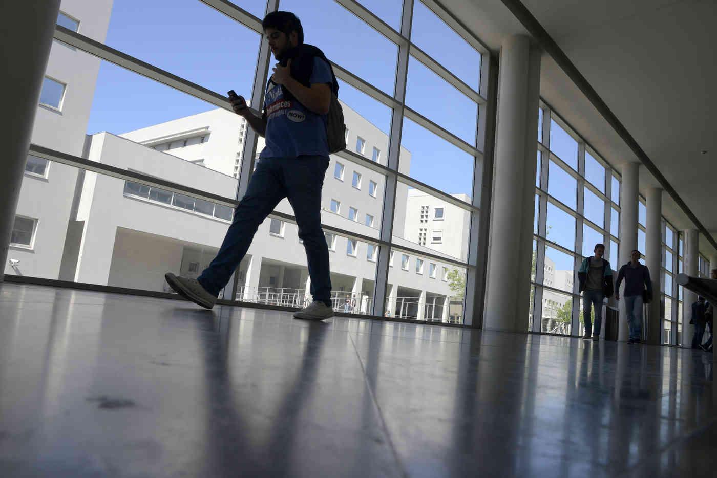 Procure na sua Faculdade da Universidade do Porto