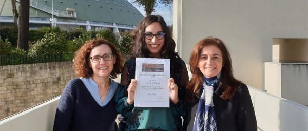 Joana Almeida com as duas orientadoras da dissertação premiada.